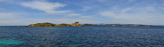 Ile du Langoustier, Porquerolles, France (marc.desbordes) Tags: panorama lighthouse riviera sailing pano sail phare autostitched frenchriviera balise porquerolles 3photos jeaunegarde