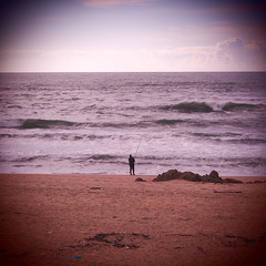 083.2016 (Francisco (PortoPortugal)) Tags: sea praia beach portugal mar fisherman porto atlanticocean oceanoatlntico pescador franciscooliveira portografiaassociaofotogrficadoporto 0832016 20160319fpbo2767
