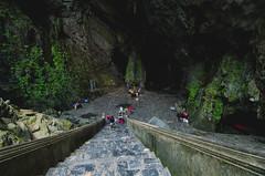 Keep going down... (hmak0) Tags: travels nikon asia wideangle tokina vietnam explore perfumepagoda northvietnam 1116mm d5100