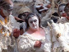 Zinneke Parade - 2 - Comme les matres flamands (_ Adle _) Tags: art bruxelles parade tableau rue merveille 2016 collectif zinnekeparade zinnode canhova artperformatif lafoienlefeufou