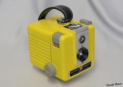 Brownie Hawkeye Flash 3 (donaldpoirier93@yahoo.fr) Tags: camera jaune kodak collection hawkeye kamera camra collector restauration inexplore collectionneur collectiondappareilsphoto collectiondecamras n1046