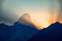Morning sun rays coming from behind Mt. Ama Dablam, Everest Panoram Trek, Nepal (CamelKW) Tags: morning nepal sunrays 2016 mtamadablam everestpanoramtrek