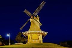 Mhle von Greetsiel (sigiha1953) Tags: mill windmill night germany deutschland mhle iso200 fuji nacht ostfriesland fujifilm nightscene bluehour nordsee nachtaufnahme windmhle niedersachsen blauestunde 2016 greetsiel krummhrn xt1 dutchwindmills hollnderwindmhlen fujixt1 fujixf18135mmf3556rlmoiswr