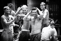 Smiles (daniele romagnoli - Tanks for 12 million views) Tags: street people blackandwhite bw india boys monochrome monocromo nikon asia joy smiles persone indie bagno kolkata indien bianconero calcutta biancoenero inde gioia westbengal ragazzi allegria  indiani sorrisi calcuta indija  bengala cheerfulness   d810   indiadelnord romagnolidaniele bengalaoccidentale