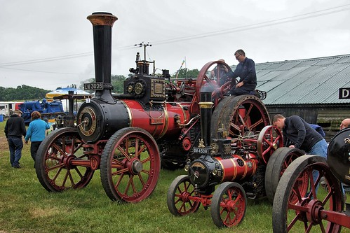 UK, Woolpit Steam Rally, Little & Large HDR