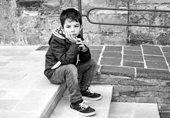 Il monello (rossolev) Tags: bambino persone monocromo biancoenero portrait abruzzo italy italia ritratto ngrillonsalvininfascinrenzi bw roccasangiovanni charliechaplin ilmonello