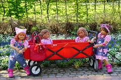 Kindergartenkinder ... (Kindergartenkinder) Tags: dolls himstedt annette ilce6000 sony essen park gruga kindergartenkinder tivi annemoni kind personen
