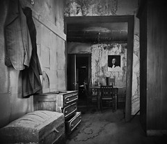 under the watchful eye of the father..... (BillsExplorations) Tags: california old blackandwhite abandoned monochrome vintage bedroom president forgotten abandonedhouse historical bodie georgewashington fatherofourcountry