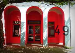 NUMERI COLLATERALI. (Skiappa.....v.i.p. (Volentieri In Pensione)) Tags: cormons friuli portici cortile numeri rosso pergolo finestre porta panasonic lumix skiappa