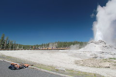 Front Row Seat - SOOTC (RPahre) Tags: bluesky yellowstonenationalpark yellowstone wyoming geology geyser eruption castlegeyser uppergeyserbasin thermalfeatures upperbasin peopleofyellowstone yellps224su2016