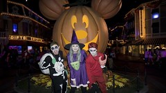 Lock, Shock, BarrelHalloween costumes! (Waffle_Princess1955) Tags: christmas costumes party halloween jack tim cosplay lock disneyland barrel before haunted sally shock nightmare mansion burton mickeys mhp 2015
