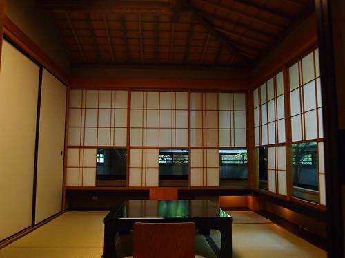 妙見石原荘部屋2