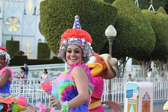 Soundsational-Pinata Girl (thelesliebelle) Tags: disneyland disney entertainment threecaballeros soundsational mickeyssoundsationalparade donaldsfiestafantastico