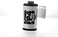 ILFORD I LOVE YOU!!! (thescourse) Tags: bw canon flash fil bn filmcamera ilford fp4 biancoenero blackandwithe lampista strobist speedlite430 tamronspaf90mmf28di11macro canoniani canoneos5dmkii eos5dmkii pelliocola