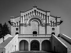 Santuario di Montecastello (targut) Tags: italy architecture 16mm nx200 montecastello samsungnx200