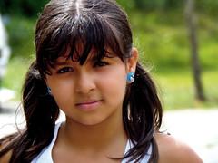 P6230720 (Francisco Hinojosa) Tags: portrait girl colours shot retrato maria venezuela olympus colores niña campo capture mirada fondo joven andina sancristóbal táchira sp810uz