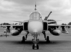SAAB JAS39D Gripen (Wipeout Dave) Tags: blackandwhite aircraft aviation airshow djs airdisplay royalinternationalairtattoo gripen raffairford swedishairforce wipeoutdave canoneos1100d djs2013 davidsnowdonphotography riat2013