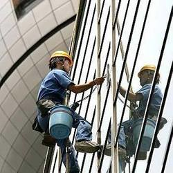 glass-facade-cleaning-service