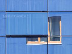 Windows 3.1 (Error del Sistema) (MedioTuerto) Tags: bluescreenofdeath ventanas guggenheim bsod reflejos cristaleras ikb internationalkleinblue errordelsistema lapislzuli stoperror pantallaazuldelamuerte azulklein hotelsilkengranddomine azulultramar controlaltsupr astrabudukofckddexpressbilbo errordedetencingrave azulstyle