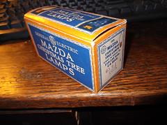 1935 G.E mazda replacment lamps (brown_dan72) Tags: christmas lamp vintage mazda ge c6 1935