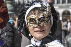 Venise 2011, Carnaval #3 (25) (clodyus) Tags: carnival venice italy italia traditions celebration masks carnaval fte venise carnevale venezia italie venetie customs masques maschere tradizioni celebrazione coutumes vntie         mondialedellunescositoiscrittonel1987 siteclassen1987patrimoinemondialdelunesco worldheritagelistedsitein1987 1987