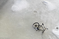 Frozen Bike (guysamsonphoto) Tags: ice bike bicycle river frozen rivière bicyclette vélo glace victoriaville victo nikond600 rivièreduquébec rivièrenicolet guysamson nikkor70200f4