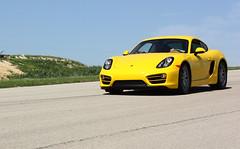 Porsche-Action-02
