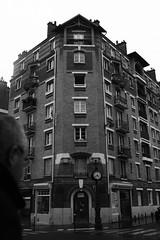 could be new york but it's paris (sandnfoam) Tags: city urban blackandwhite bw paris france architecture cityscape pb pretoebranco urbanphotography sooc iconical canoneosrebelt1i mosqueeparis