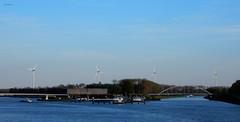 vlnr Nieuwe Heemstederbrug, Heemstederbrug en Overeindsebrug (bcbvisser13) Tags: panorama water boats utrecht nederland bridges eu boten kanaal nieuwegein sluis merwedekanaal amsterdamrijnkanaal laagraven windmolens plofsluis overeindsebrug nieuweheemstederbrug heemsteedsbrug
