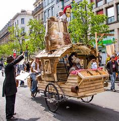 Zinneke Parade 2016 - Hoboes (saigneurdeguerre) Tags: brussels 3 canon europa europe belgium belgique mark iii belgi bruxelles parade ponte 5d brssel brussel belgica bruxelas hoboes belgien zinneke 2016 aponte zinnode antonioponte ponteantonio saigneurdeguerre