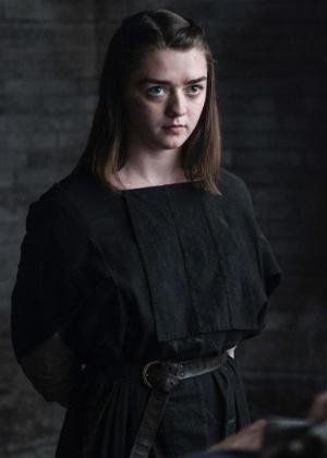 Arya de GoT diz que preferia ver a série sem saber os segredos da história