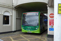 HW64AXC Southern Vectis 2712 (neiljennings51) Tags: red bus ferry jet terminal southern 200 vectis alexander dennis isle cowes wight enviro psv pcv e20d