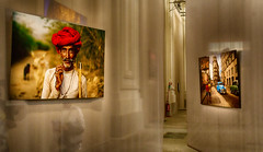Steve McCurry-India and Cuba (EiaOlaf) Tags: travel blue pakistan light red portrait india color latinamerica photoshop canon photography asia photographer cuba exhibition east traveller middle iconic hdr nationalgeographic lightroom stevemccurry polemics nikcollection