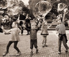 Bubbles #1, NYC (augenbrauns) Tags: nyc 1 centralpark bubbles olympus