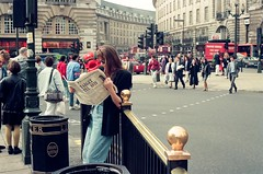 (eyal peleg) Tags: london film kodak piccadilly piccadillycircus gold200