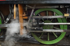 Judy in Bristol (gooey_lewy) Tags: china detail green english up price museum port train bristol harbor industrial tank close small shed engine rail railway gear loco steam m clay valve locomotive judy saddle par 1937 ecc bagnall 2572 mshed 040st bagnallprice
