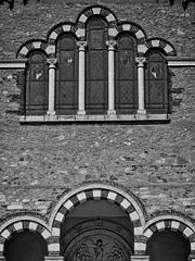 Chiesa Monteviale (sangiopanza2000) Tags: chiesa church monteviale veneto italia italy sangiopanza finestre windows archi arches lunetta