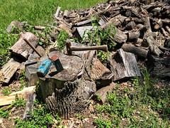 Undone (votsek) Tags: wood us unitedstates massachusetts logs concord firewood wedge maul sledge splitting 2016 woodsplitting