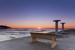 Asiento privilegiado (Jose Gimenez Fotografa) Tags: travel blue orange naturaleza beach nature sunrise mar holidays mediterraneo horizon naturallight amanecer d750 naranja mediterraneansea horizonte nationalgeographic natgeophotos onlythebestofnature natgeoimages