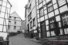 2303 (Bethie Inthesky) Tags: city blackandwhite germany resort oldtown monschau halftimberedhouse