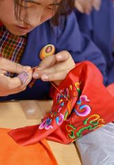 (ingridkreuz) Tags: bhutan asia travel reise exploring handcraft handwerk tradition sticken embroidery school