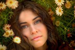 Natural (marcello.machelli) Tags: portrait nature beauty natural acting daisy rosso modelling ritratto margherite natra nikond810 alessiascriboni