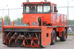 RPM Tech P5000 Snow Blower (Gerald (Wayne) Prout) Tags: snow ontario canada canon airport equipment maintenance runway timmins snowblower prout snowremoval selfpropelled p5000 canoneos60d airportmaintenance rpmtech cityoftimmins timminsvictormpowerairport victormpower geraldwayneprout rpmtechp5000snowblower