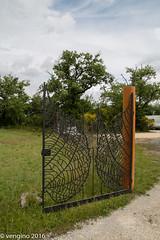 Cancello d'ingresso (vengino) Tags: parco del chianti sculture siena toscana parchi macchiamediterranea parcosculturedelchianti
