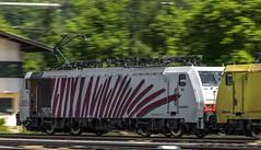 1813_2016_05_26_sterreich_Kufstein_RTC_6189_505_&_MRCE_dispolok_ES_64_F4_-_xxx_mit_KV_Rosenheim (ruhrpott.sprinter) Tags: railroad train germany logo deutschland graffiti austria tirol sterreich diesel tx natur wiese eisenbahn rail zug cargo berge 186 nrw passenger lm blume fret 187 gelsenkirchen ruhrgebiet freight bb locomotives boby 139 189 151 193 lokomotive kufstein sprinter ruhrpott gter 1430 logistik 6193 6151 6186 1116 dispo eloc 6139 6187 6189 mrce lokomotion reisezug rpool dispolok ellok es64f4