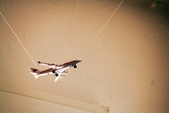 IMG_8897Ax (kanizfotolio) Tags: plane canon lens eos spain europe jose gift thai granada kits string airway 500d