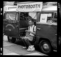 Aaron and Francis the Photobooth Bus (jimhairphoto) Tags: blackandwhite blancoynegro film oregon america portraits portland stjohns streetlife 120film hasselblad ilford fp4 thtrederue 120mm blancinegre blancetnoir streetstories jimhairphoto schwarzeaufweis siyahrebeyaz