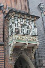 Wykusz (magro_kr) Tags: lubeka lbeck lubeck luebeck niemcy germany deutschland szlezwikholsztyn holsztyn schleswigholstein holstein ratusz okno architektura townhall window architecture