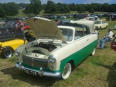 1955 Ford Consul MK1 (Bennydorm) Tags: auto england cars ford 1955 car vintage automobile retro vehicle british motor autos motorshow madeinengland twotone fordconsul leightonhall fordmotors