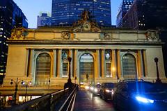 Park Avenue Viaduct (Cagsawa) Tags: city nyc ny newyork dusk manhattan 42ndst overpass viaduct trainstation parkave citylights grandcentralstation metropolis nightscene metlife grandcentral pershingsquare 42nd parkavenue manhattanhenge 42ndstreet rx100 parkavenueviaduct